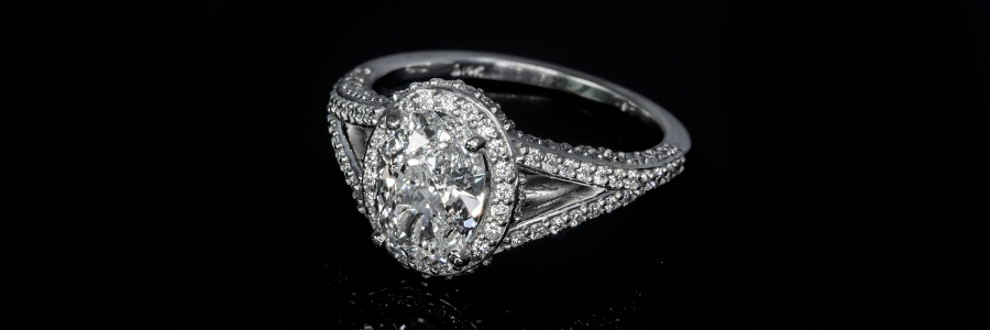 Diamond ring, the Libra and Taurus gemstone for Astrology